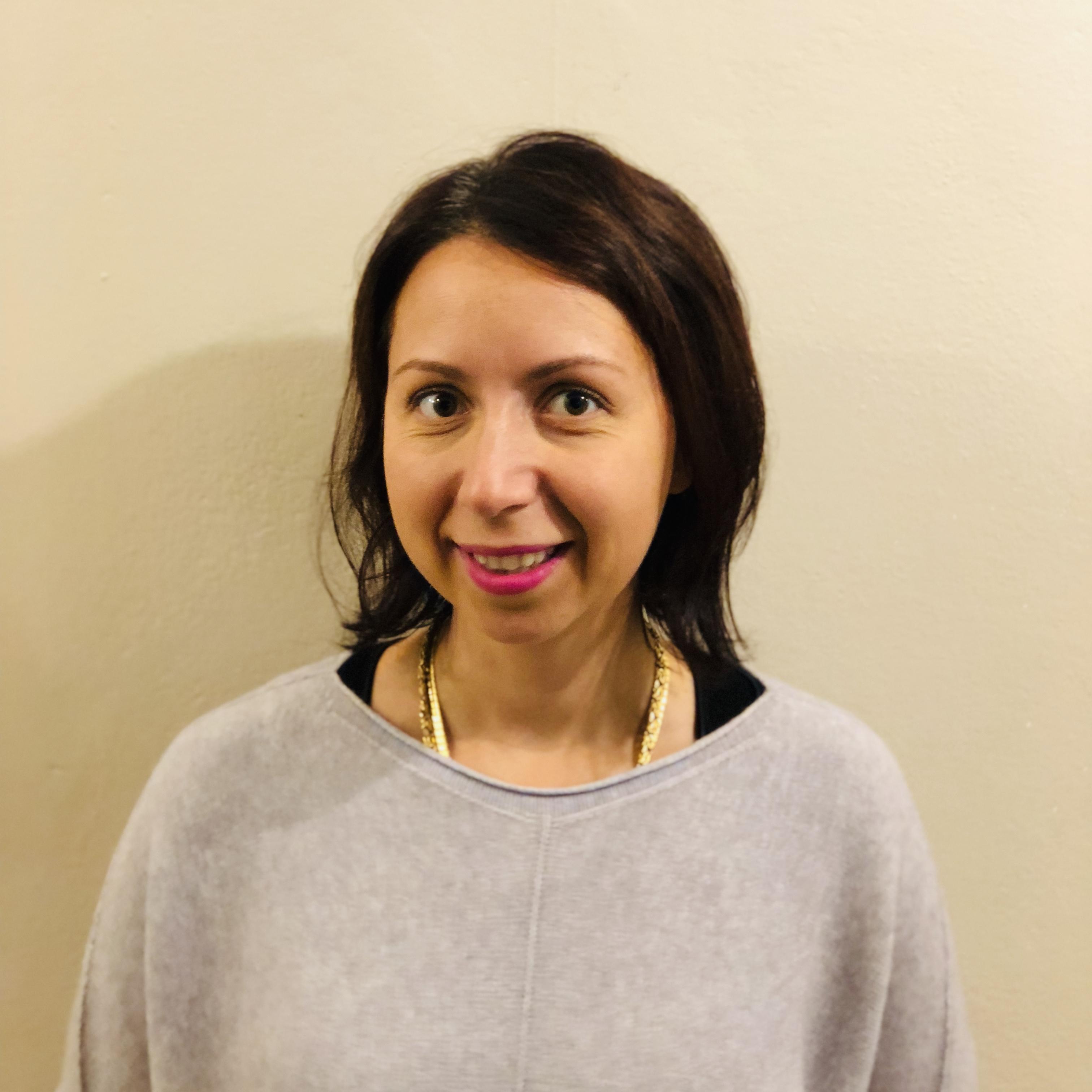 Lara Dimidjian – Headshot